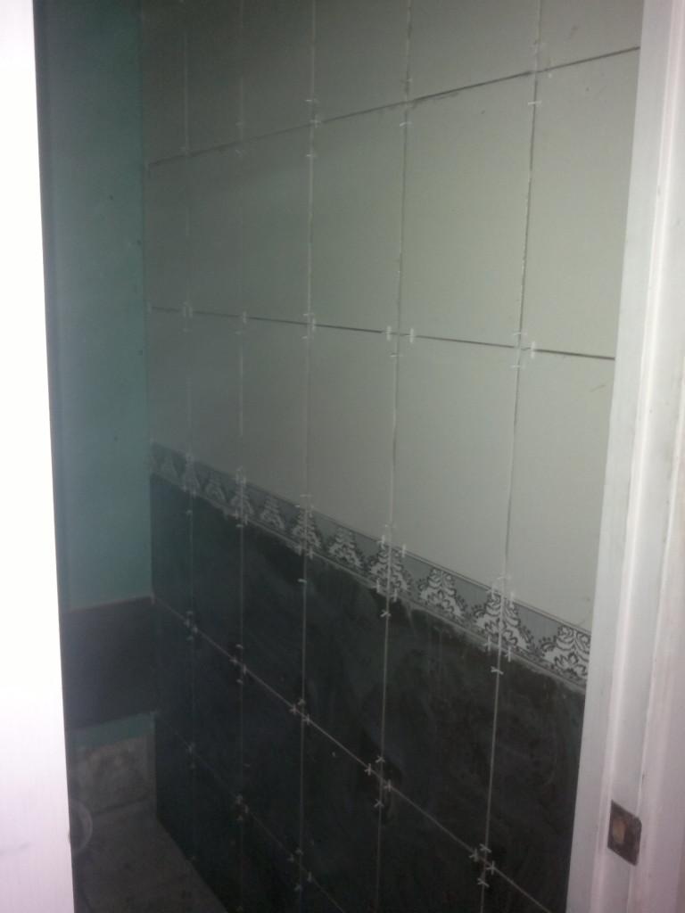 Плиточные работы в ванне