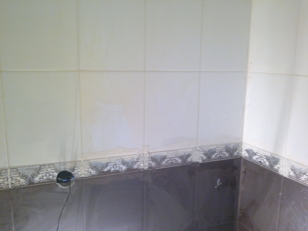 Кладка плитки в ванной цена