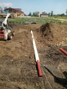 Прокладка канализации в траншее