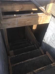 Лестничный марш в подвал