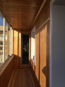 Отделка балконов и лоджий вагонкой